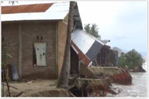 Puluhan Rumah Warga di Kabupaten Aceh Barat Rusak Dihantam Gelombang Pasang