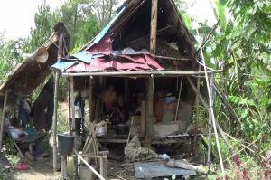 5 Tahun Tinggal di Gubuk, Pasangan Lansia Akhirnya Miliki Rumah