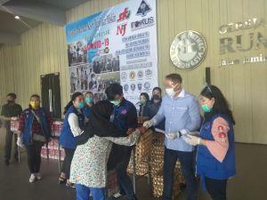 Sumut Pedul Salurkan Bantuan Sembako ke Warga Medan
