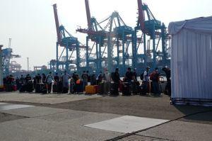 Cegah Penyebaran Covid-19, Satgas TNI AL Evakuasi 185 ABK WNI MV Zuiderdam