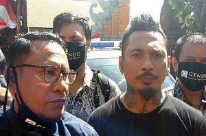 Penuhi Panggilan Polisi, Jerinx Pakai T-shirt Tolak Rapid Tes