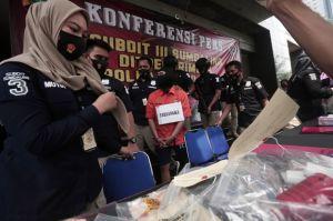 Gunakan Selebrgam untuk Promosi, Praktik Dokter Gigi Palsu Dibongkar Polisi