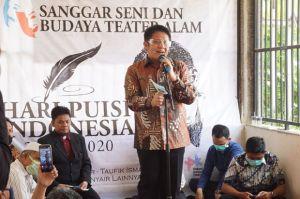 Hadiri Peringatan Hari Puisi Indonesia VII 2020, HD Bacakan Puisi