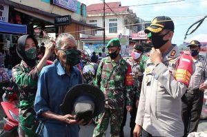 Prajurit TNI Dikerahkan Ajak Masyarakat Pasaman Disiplin Pakai Masker