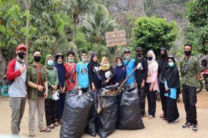 Puluhan Komunitas di Pangkep Gelar Aksi Bersih-bersih World Clean Up Day 2020