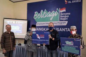 Karyawan XL Axiata Berbagi Ilmu Hadapi Tantangan Zaman ke Siswa Aceh
