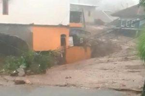 2 Orang Dikabarkan Terseret Banjir Bandang Cicurug Sukabumi