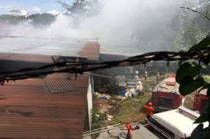 Gudang UD Rahayu Lestari di Salatiga Terbakar