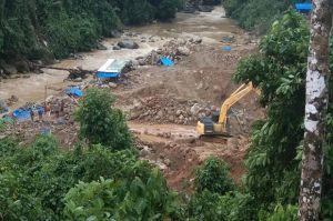 Tambang Emas Ilegal Merajalela, Limbahnya Cemari Sungai di Madina