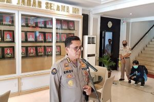 Miras Disita Polisi, HS Depresi Lalu Terobos Gerbang Mapolresta Tasikmalaya