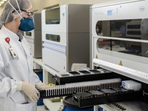 China Ngotot Paling Manjur, Vaksin Sinovac Siap Beredar Mulai 2021