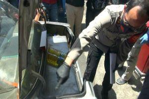 2 Pemuda Kuras Premium di SPBU dengan Tangki Mobil Modifikasi