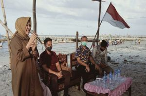 Cawabup Lamongan Astried Wahid Peduli Nasib Nelayan