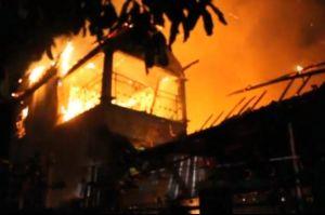Dipicu Korsleting Listrik, Rumah Milik Anggota TNI di Bima Ludes Terbakar