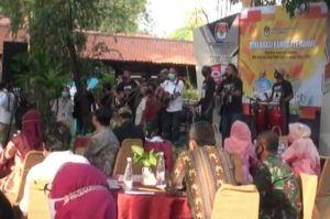 Masa Pandemi COVID-19, KPU Surabaya Gelar Deklarasi Pilkada Damai secara Virtual