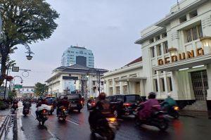 Bandung Raya Diramalkan Dibasahi Hujan Ringan Siang Ini