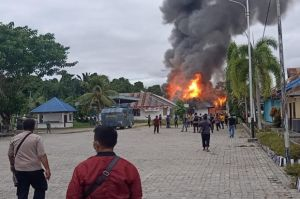 Amuk Massa, Kantor Disnaker Keerom Papua Ludes Dibakar