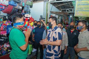 Pedagang Sei Sikambing Menangis Minta Bobby Nasution Perhatikan Kondisi Pasar