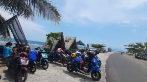 Pesona Pantai Canti Bius Rombongan Touring Generasi 125