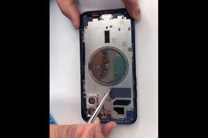 Dimutilasi, Jeroan Ungkap Baik dan Buruknya iPhone 12
