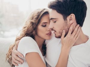 Ilmuwan Memprediksi Angka Kelahiran dan Pernikahan Bakal Menurun