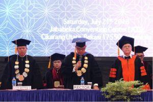 Rektor PU Ajak Wisudawan Melihat Pandemi sebagai Peluang Baru