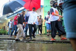 Hujan Baru 5 Menit Jalanan Sudah Tergenang, Bobby Siap Eksekusi Perubahan di Kota Medan