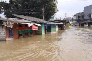 Banjir Kiriman dari Bogor, Permukiman di Curug Tangerang Terendam