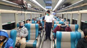 9.374 Penumpang Kereta Api Sudah Tinggalkan Jakarta via 3 Stasiun