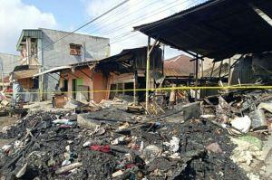 Warnet Bang Siregar di Sidimpuan Terbakar Menyambar 3 Bangunan Lainnya hinga Ludes