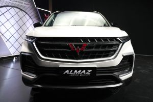 Seru, Peluncuran Wuling Almaz Limited Edition Gunakan Teknologi Virtual Reality