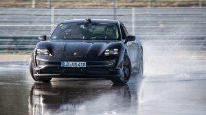 Porsche Taycan Sukses Cetak Rekor Drifting Marathon 55 Menit