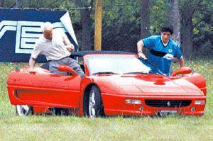 Mobil-mobil Supercar nan Mewah dalam Kehidupan Diego Maradona
