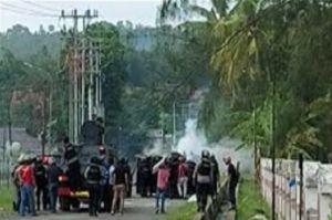 Ratusan Brimob dan Marinir Pukul Mundur Massa Bintang Kejora di Sorong