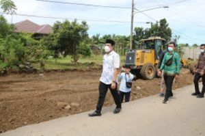 Plt Wali Kota Bengkulu Tinjau Pembangunan Jalan Dua Jalur di Kelurahan Padang Serai
