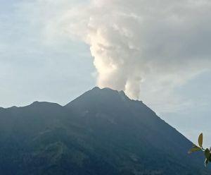 Gunung Merapi Keluarkan Asap Sulfatara Setinggi 600 Meter