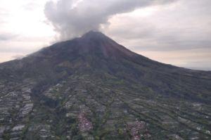Pantauan Udara, Puncak Gunung Merapi Ternyata Banyak Longsoran Baru