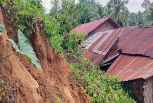 Curah Hujan Tinggi, 32 Rumah Warga di Simalungun Tertimbun Longsor