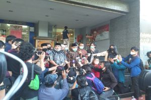 Habib Rizieq Tak Datang ke Polda Metro, Kuasa Hukum: Masih Istirahat