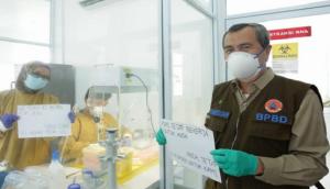 Gubernur Riau Dirawat di RS, Istrinya Isolasi Mandiri di Rumah