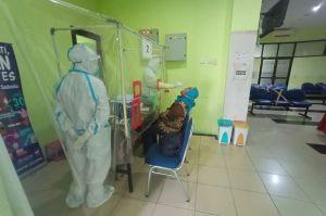Cegah Covid-19, Puluhan Warga Sukapura Ikuti Swab Test Massal
