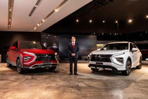 Mitsubishi Resmi Perkenalkan ECLIPSE CROSS PHEV dan Bensin