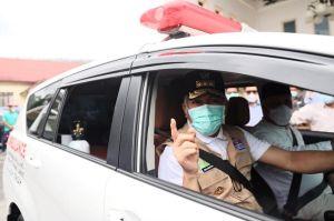 Tunaikan Janji, Gubernur Nova Serahkan Ambulan untuk Puskesmas Pembantu Jamat