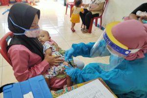 Cegah Penyakit Menular, Puskesmas Kecamatan Penjaringan Gelar UKBM Imunisasi