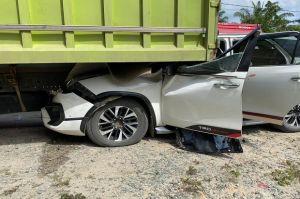 Wakil Ketua DPD Mahyudin dan Istrinya Kecelakaan, Mobil Masuk di Bawah Truk
