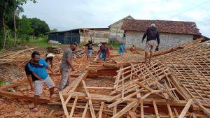 Puting Beliung Hajar Rembang, 1 Rumah Rata dengan Tanah