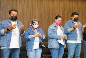 Kahiyang Ayu Tampil dengan Cocangan Rambut Dampingi Bobby Nasution