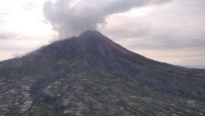 Hari Ini, Merapi Kembali Muntahkan Lava Pijar Sejauh 400 M ke Krasak