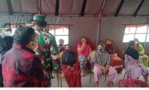 Tinjau Loksi Banjir di Kalsel, Panglima TNI Pantau Langsung Kondisi Dapur Umum