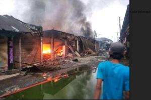 Pasar Pemanukan Terbakar, 250 Kios dan Toko Ludes Dilalap Api